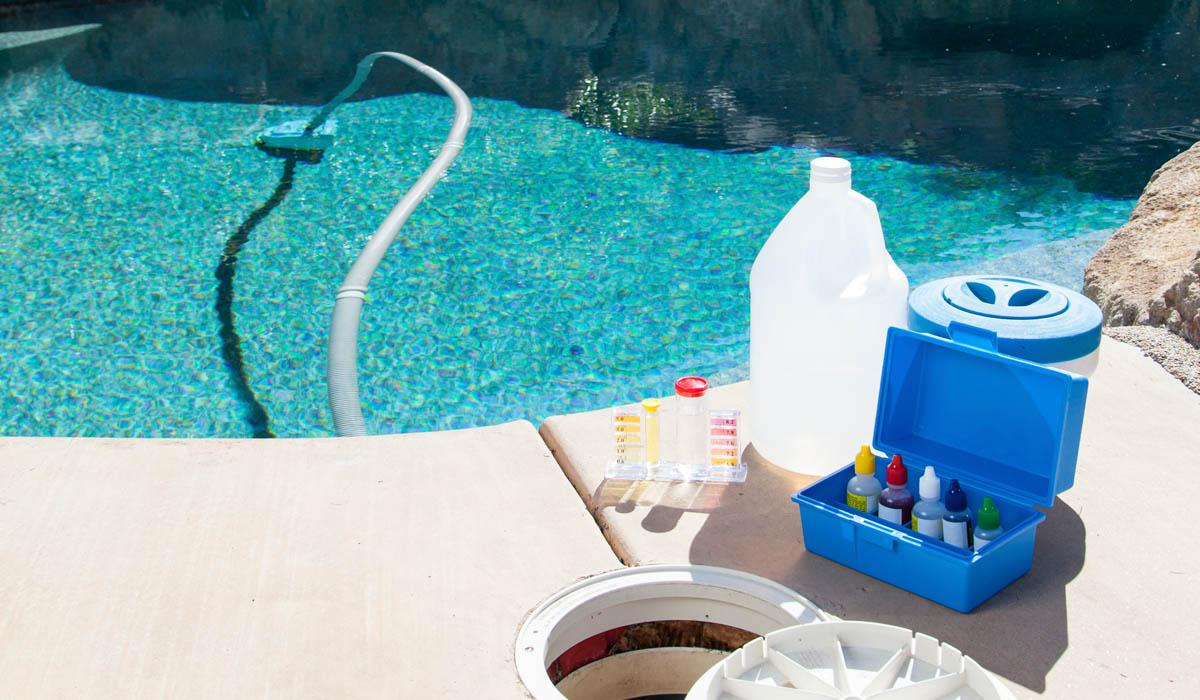 pourquoi entretenir sa piscine voici deux raisons suffisantes blog immobilier et jardin. Black Bedroom Furniture Sets. Home Design Ideas
