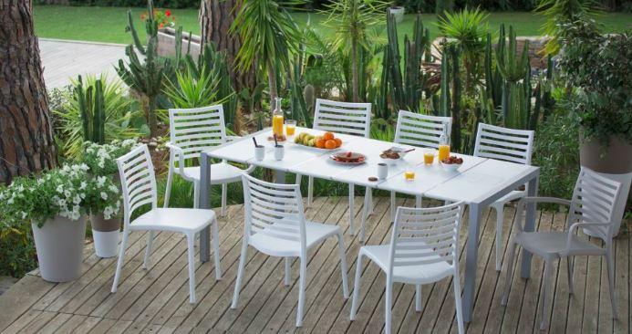 comment entretenir son mobilier de jardin blog immobilier et jardin. Black Bedroom Furniture Sets. Home Design Ideas